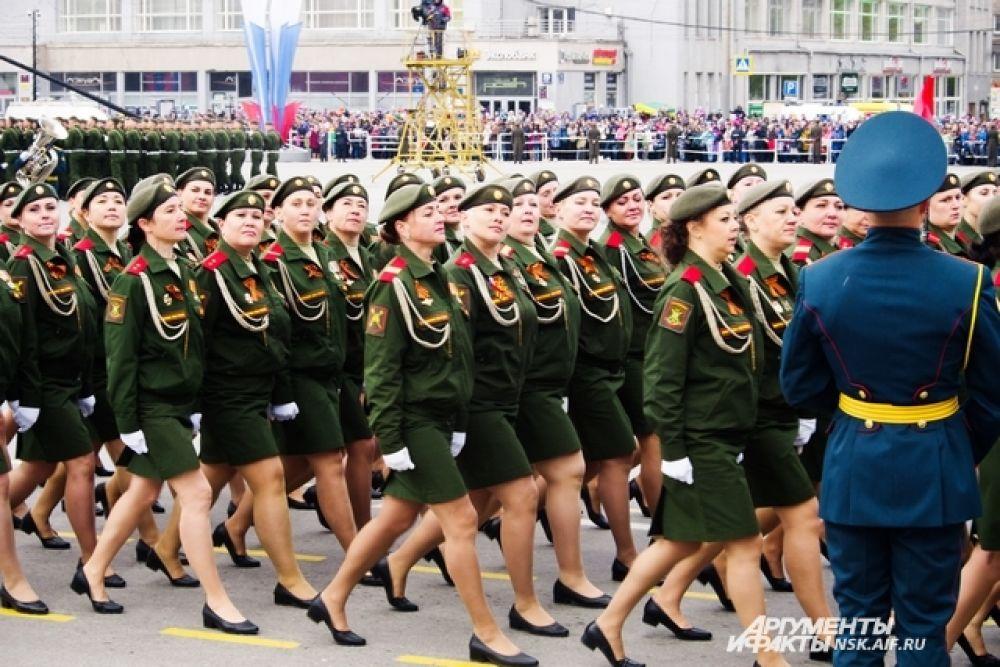 В параде впервые принимали участие военные расчеты девушек-военнослужащих