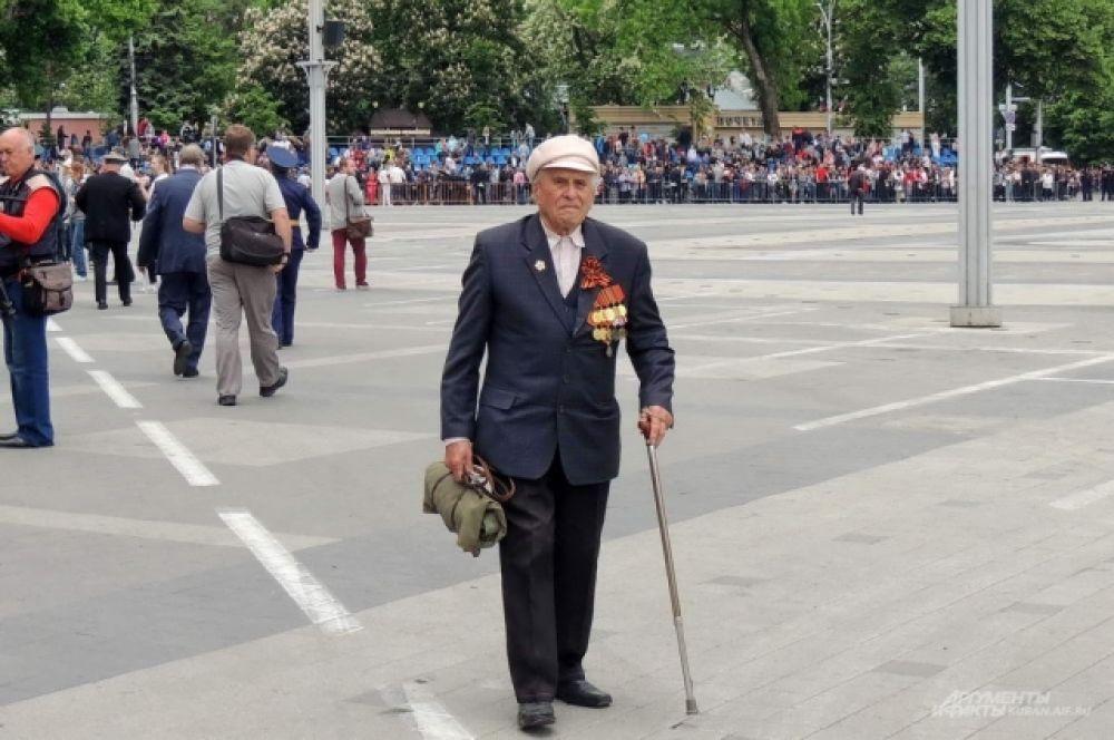 Ветераны Великой Отечественной войны парад 9 мая не пропускают.