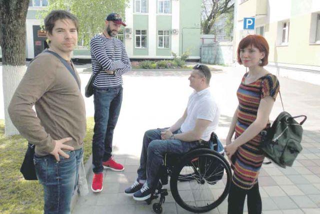 Поддержать Татьяну пришли Сергей Тетюхин и Андрей Кожемякин.