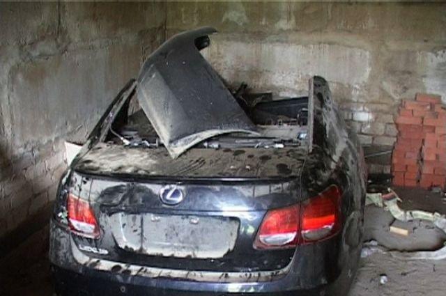 Злоумышленники перебивали номера на двигателях, чтобы потом перепродать машины. Часть автомобилей они разобрали на запчасти.