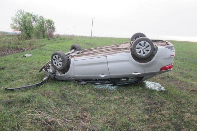 ВТульской области смертоносная авария— перевернулся вседорожный автомобиль