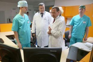 В центре пациентам оказывают высокотехнологичную помощь с использованием уникальных технологий.