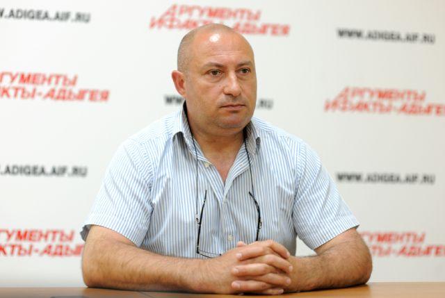 Руслан Хут.