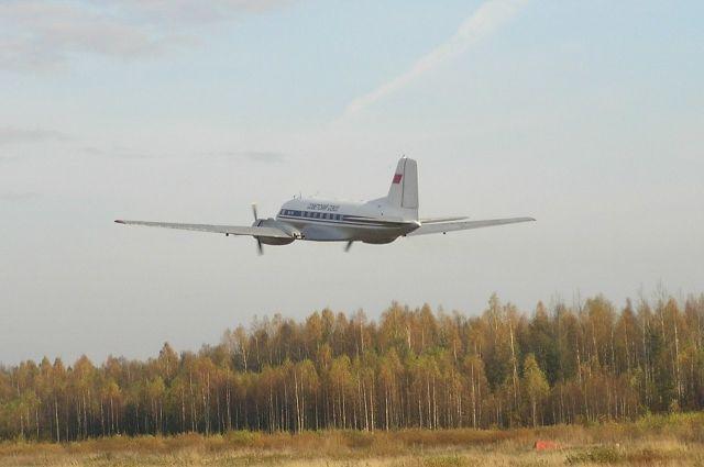 Самолеты будут летать два раза в неделю по понедельникам и пятницам.