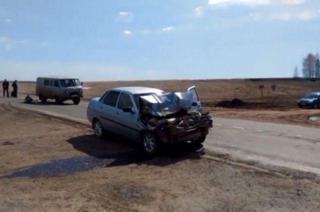 На трассе Оренбург- Казань в ДТП пострадал  34-летний водитель «ВАЗа»