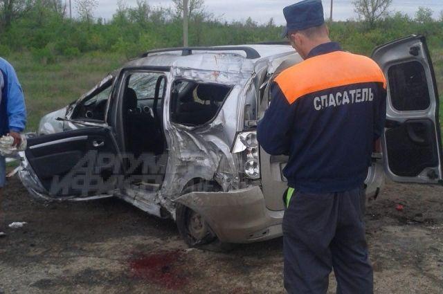 Под Энгельсом 7 человек пострадали при трагедии сфурой