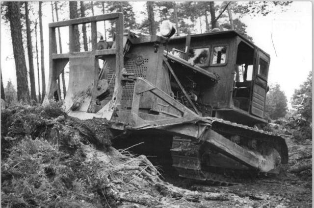 Трактор С-80 вошел в историю как покоритель целинных земель.