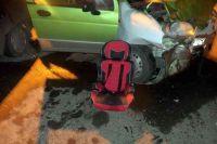 Часто дети гибнут на трассах, когда их перевозят без кресел.