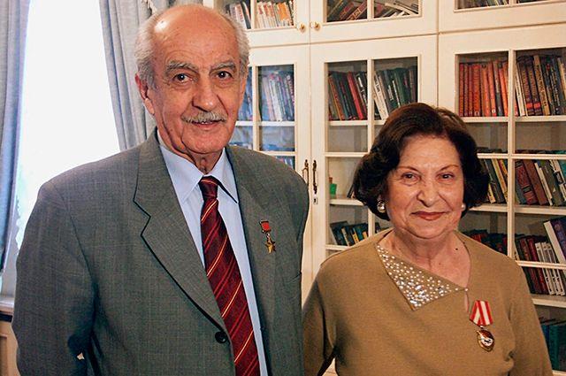 Ветераны советской разведки, Герой Советского Союза Геворк Вартанян и его жена Гоар.