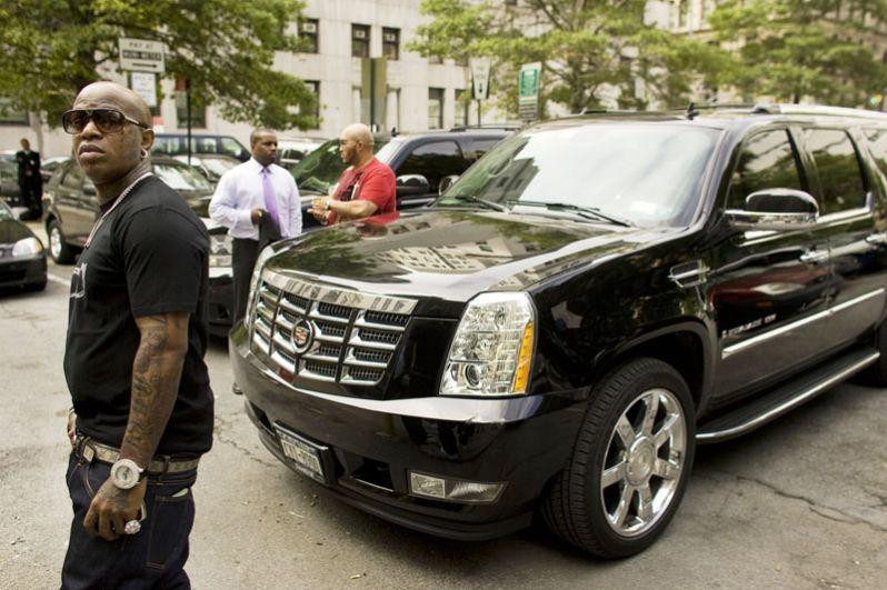 Четвёртое место занимает американский рэпер Брайан Уильямс (Birdman). Он является совладельцем лейбла Cash Money Records, который вместе со своим братом Рональдом основал в 1991 году. Forbes оценивает состояние музыканта в $120 млн.