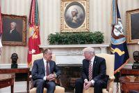 Встреча министра иностранных дел РФ Сергея Лаврова с президентом США Дональдом Трампом, Вашингтон, 10 мая 2017 года.