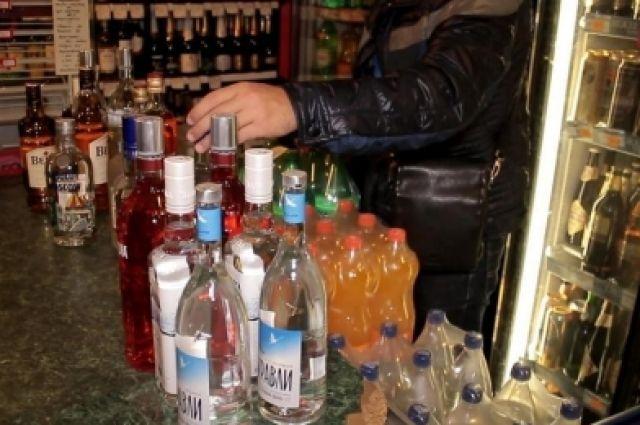 Рейды для выявления фактов незаконной торговли алкоголем проводятся во всех районах города регулярно.
