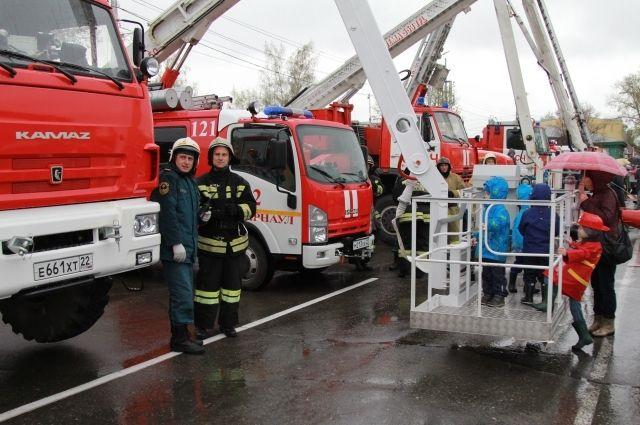 Пожарным удалось оперативно потушить огонь.
