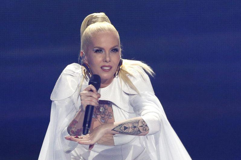 Исландская певица Свала.