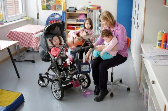В немецком хосписе дети находятся вместе с родными.