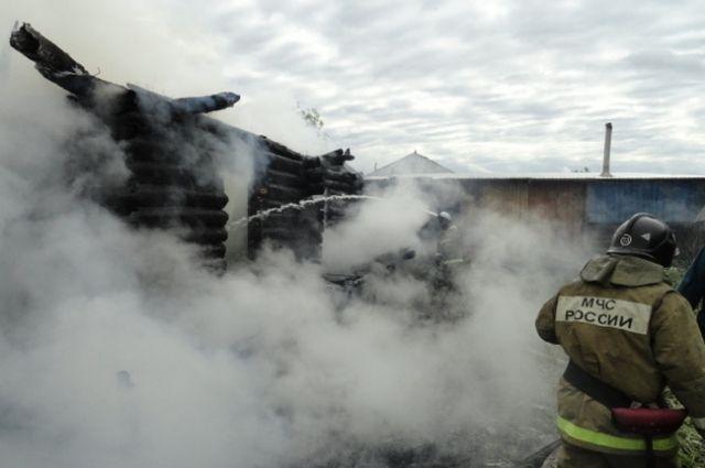 14-летняя девочка погибла впожаре. СКначал проверку