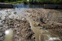 Эксперты разбираются в причинах затопления набережной в Калининграде. Трубу прорвало накануне вечером.