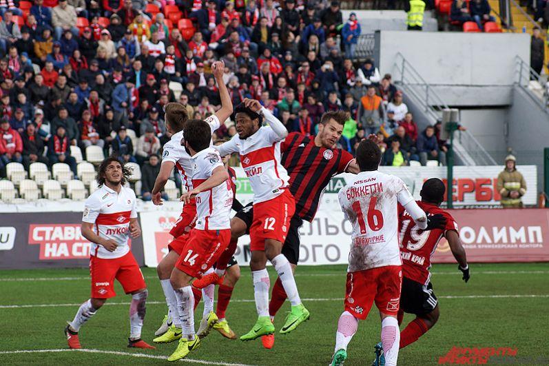 В первом тайме «Амкар» продержался на ноль с чемпионом страны.