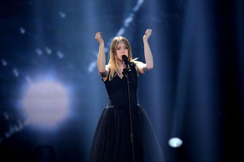 Четвёртой стала бельгийка Бланш, исполнившая песню «City Lights» («Огни города»).