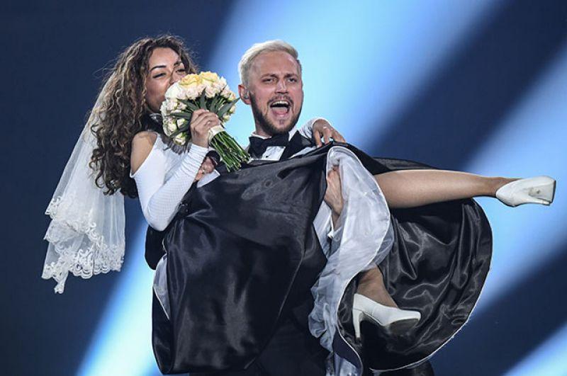 Третье место заняла группа из Молдавии SunStroke Project с песней «Hey, Mamma!» («Эй, мама!»).