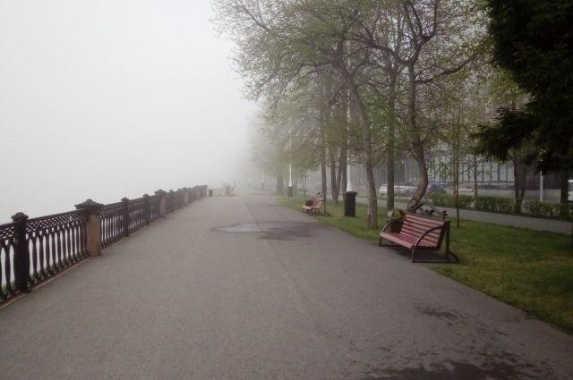 Из-за тумана кемеровский аэропорт не смог принять два утренних рейса.