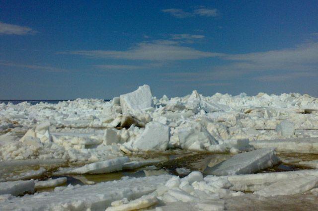 Ледоход идет в 90 км от Ямала.