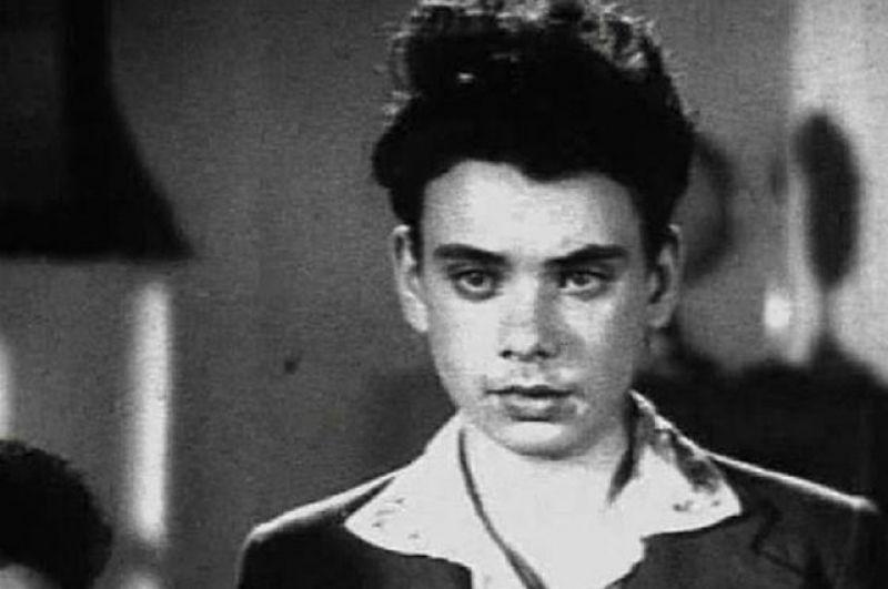 Первая роль Алексея Баталова - фильм «Зоя», 1944 год. Алексей, школьник.
