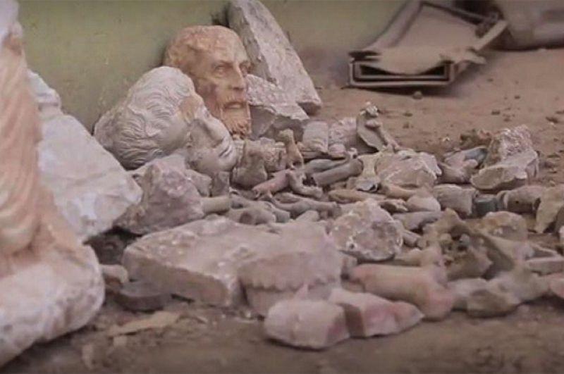 Античные статуи вДура-Европос, разрушенные боевиками в мае 2017 г.