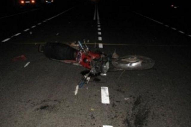 Водитель и пассажир мотоцикла получили травмы.