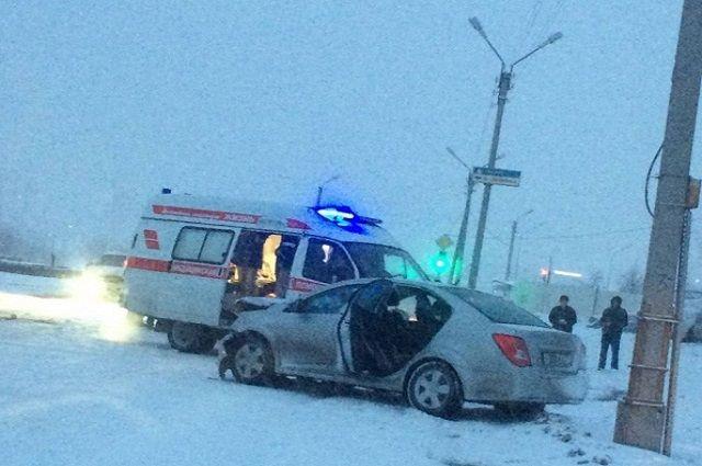 В Новом Уренгое пенсионерка попала в аварию.