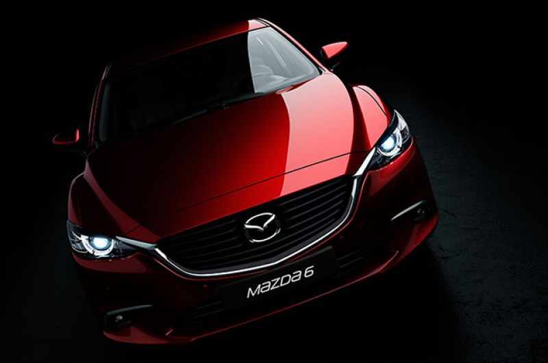 От младшей сестры не отстает и старшая, Mazda 6, родом из Владивостока. Цена на щеголеватую версию 2.0 Active AT начинается от 1 385 000 рублей. С льготными кредитами и лизингом ее купить будет намного легче.