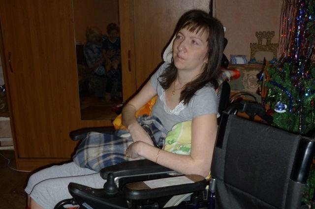 После занятий на тренажёре Ирина научилась двигать ногами: подтягивать их и ставить на пол.