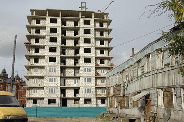 В Салехарде застройщики регулярно нарушают правила ведения строительства.