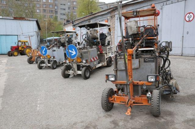 В прошлые сезоны использовали четыре разметочные машины, а сейчас от них отказались.