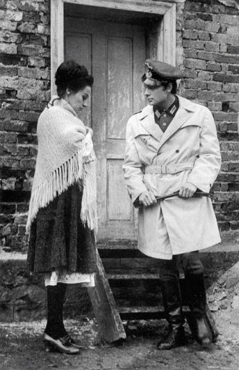 «Причину смерти не упоминать» (режиссер Йован Живанович).  1969 год. Роль немецкого офицера.