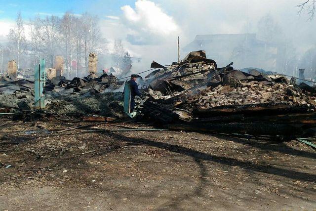 Вцентре Плесецка сгорела здешняя библиотека