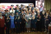 Чествование ветеранов Великой Отечественной войны. Фото на память с председателем городской Думы Краснодара Верой Галушко.