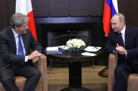 Владимир Путин и председатель Совета министров Италии Паоло Джентилони.