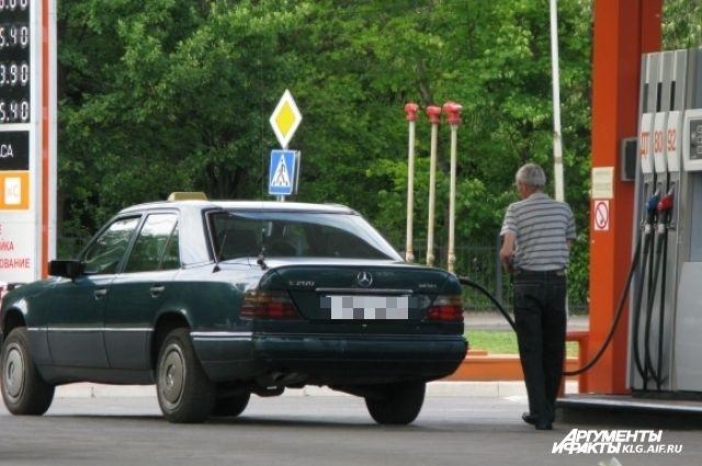 В Калининграде мужчина с топором напал на клиента автозаправочной станции.