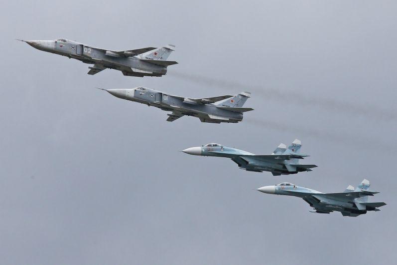 Командиры авиационных подразделений и их заместители регулярно выполняют упражнения летной подготовки в дневное и ночное время на истребителях Су-27, фронтовых бомбардировщиках Су-24М, поисково-спасательных и  противолодочных вертолетах Ка-27, ударных и транспортных вертолетах Ми-24 и Ми-8, а также на военно-транспортных самолетах Ан-26.