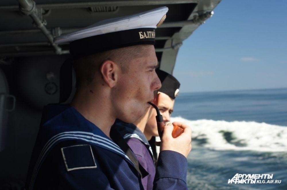 Службу на Балтийском флоте несут призывники из более чем 20 регионов РФ.
