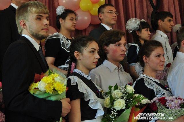 Самое большое число выпускников 11-х классов – в гимназии «Универс» в Красноярске – 148 человек.