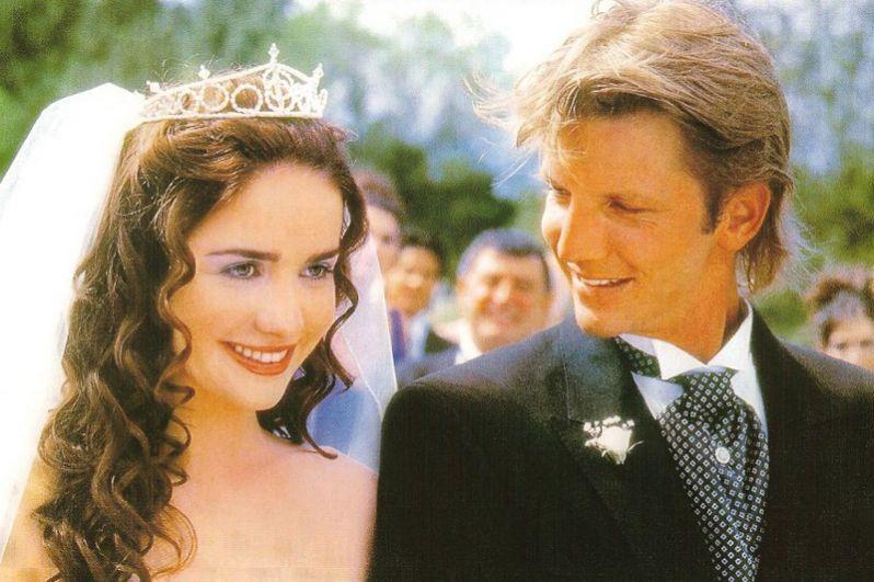 Вскоре актриса получила роль сироты Милагрос (Чолито) в сериале «Дикий ангел», съёмки которого начались в ноябре 1998 года. Эта роль принесла актрисе славу и любовь многочисленных фанатов по всему миру.