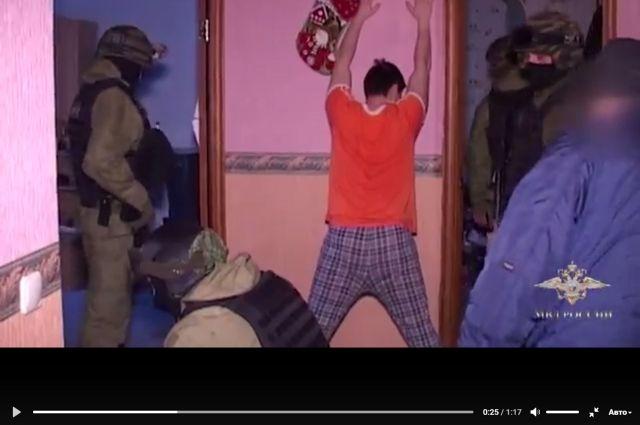 Сотрудники Управления уголовного розыска ГУ МВД России по Пермскому краю при поддержке бойцов Росгвардии задержали пятерых мужчин.