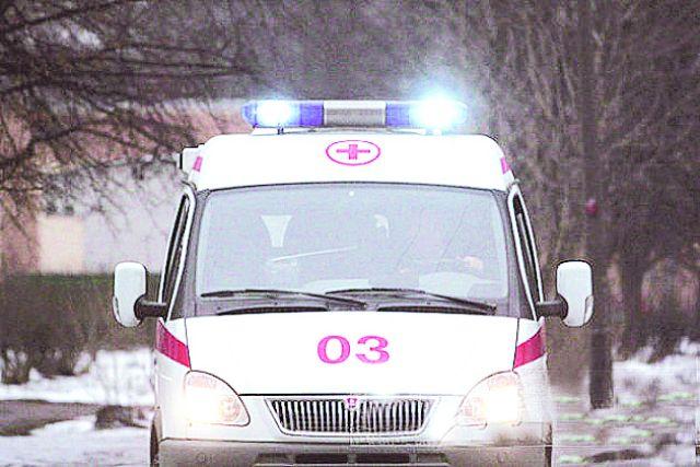 Ребёнок получил ушиб ноги, его доставили в больницу.