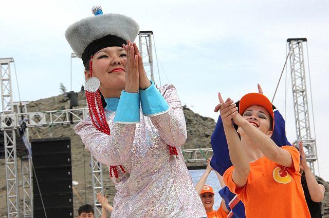 В честь празднования Дня России состоится шествие представителей национально-культурных организаций с Поясом дружбы народов.