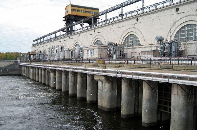 Надамбе Нижегородской ГЭС вводятся новые ограничения движения