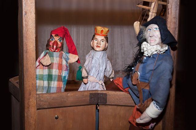 Студентов научат управлять куклами.