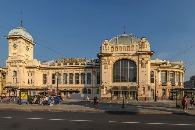 Сооружение Витебского вокзала вПетербурге закрыли из-за ужина гостей юридического форума