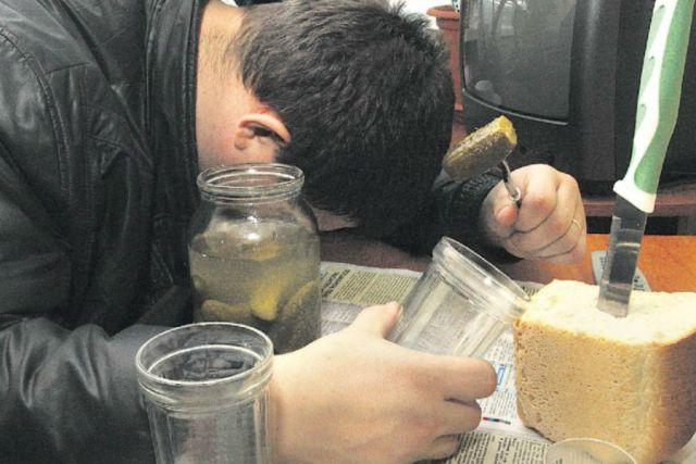 Кузбассовец убил брата, когда распивал с ним алкоголь.